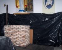 Budowa mensy pod ołtarz w Osieku